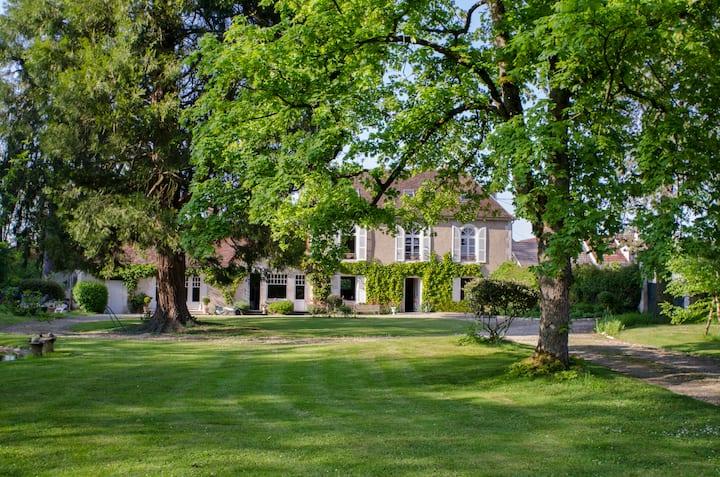 Séjour en Bourgogne au cœur d'un parc verdoyant