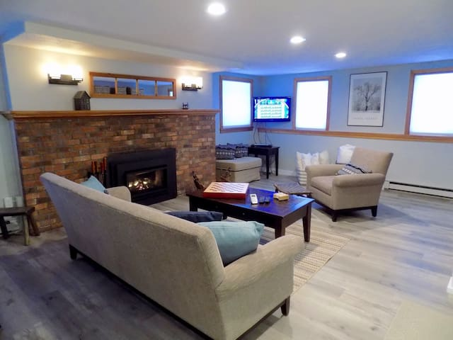 Newly renovated ski-in, ski-out condo at Stowe