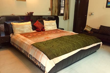 Spacious & comfortable room in South Delhi - New Delhi  - Autre