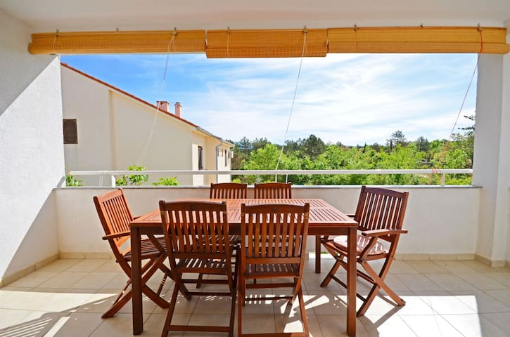 Two Bedroom Apartment, 250m from city center, seaside in Klimno - island Krk, Balcony