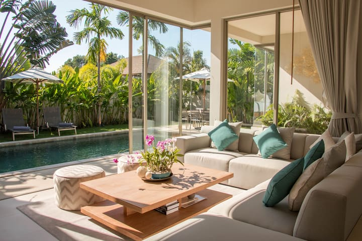 Trichada - 6 BR Luxury Villa in popular Bangtao