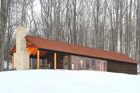 Luxurious, Modern Off-Grid Cabin