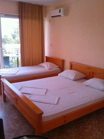 APART-HOTEL 2 MINUTES FROM THE BEACH-3