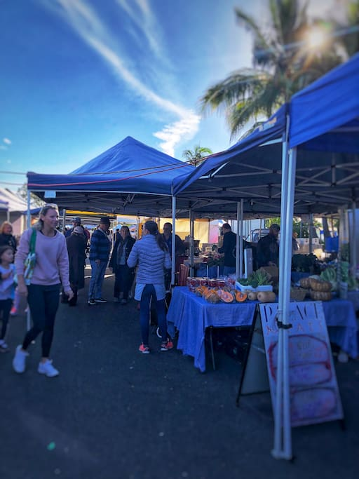 Sunday Famers Market - only 200 metres
