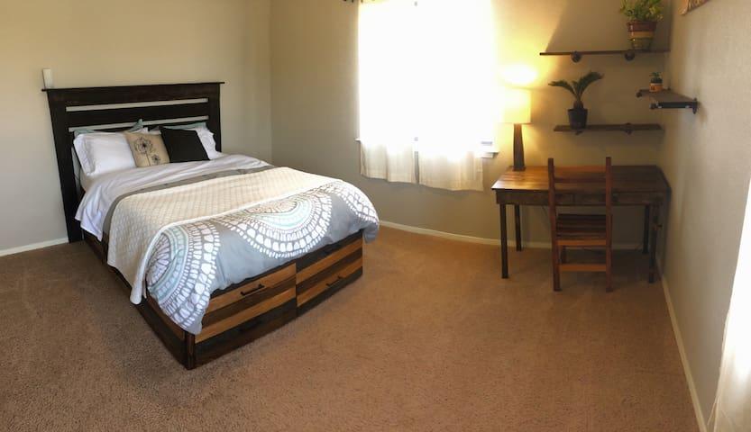 Cozy Mountain Condo - Carbondale - Apartment