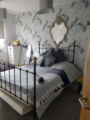 Beautiful comfortable double room in modern house.