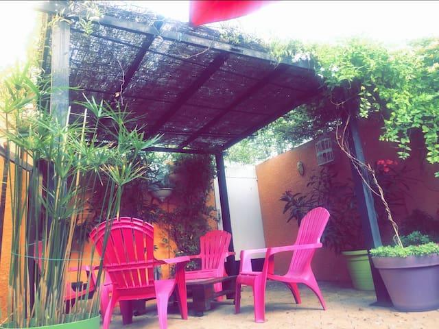 Suite privée 35m² en rez de jardin 200m du centre