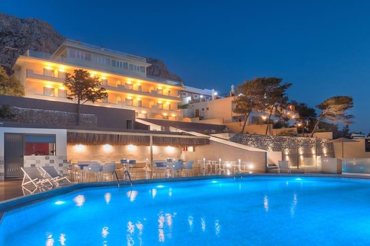 Carian Hotel, Armeos Kalymnos