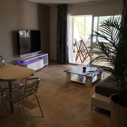 Bel appartement design  top confort - La Farlède - Apartament