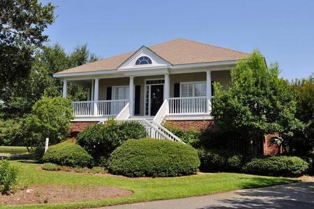 #607 MLV Sue's Way - Georgetown - Villa