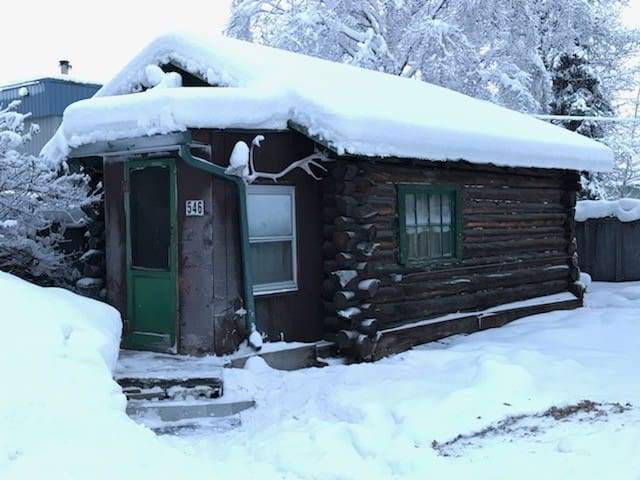 Rustic 1940's cabin in the city