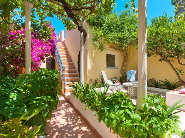 Viviane, house in the historic center of Alcudia