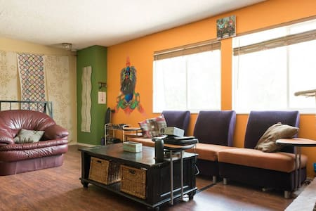 Colorful & Loving 420-friendly Denver Condo