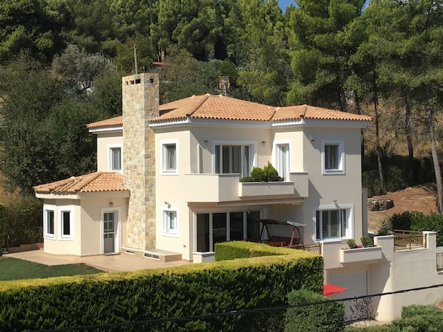 Villa Forest - Athens Afidnes Kosmothea  - Villa