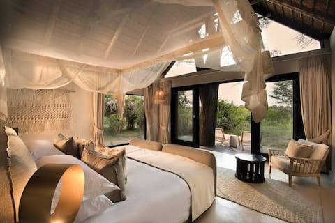 Superior Luxury Suites at River Lodge