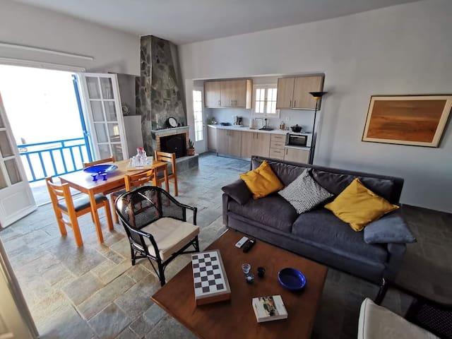 Perdika port,2bms,balcony,fireplace,AC,Netflix