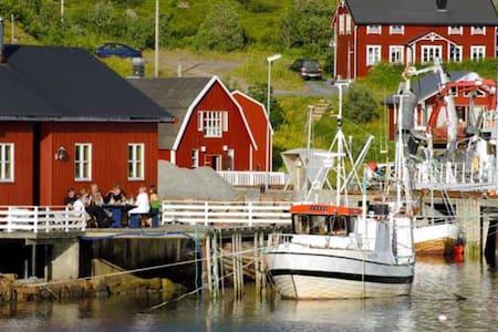 Koselig Rorbu (Modernisert) -Herman 2  Straumsjøen - Bø i Vesterålen