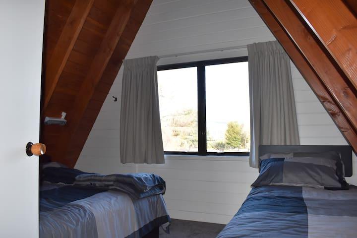 Front bedroom - sleeps 3
