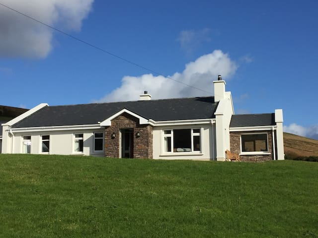 Clover cottage - Amazing views and comfort