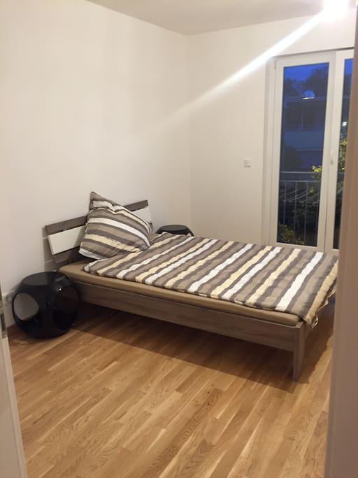 2 zimmer wohnung in norden von m nchen wohnungen zur. Black Bedroom Furniture Sets. Home Design Ideas