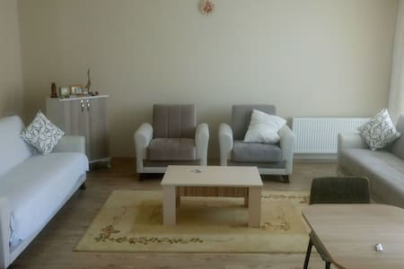Merkeze yakın 2 özel oda! 2 Rooms close to centre! - Lägenhet