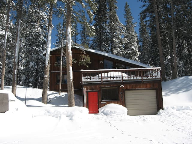 4 Bdrm/3.5 Bath -2 Mi to Sugar Bowl - Soda Springs - Huis