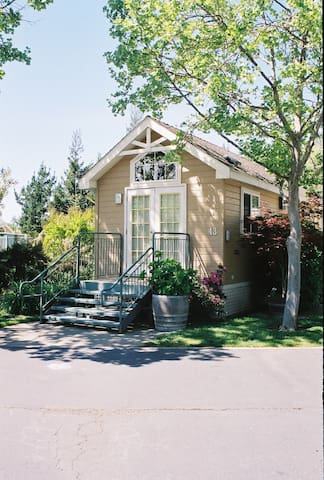 Unwind at RiverPointe Resort in Napa Valley - Napa - Bungalow
