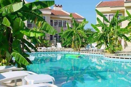 Özcem Apart Hotel, Fethiye near Calis Beach - Fethiye - Apartament