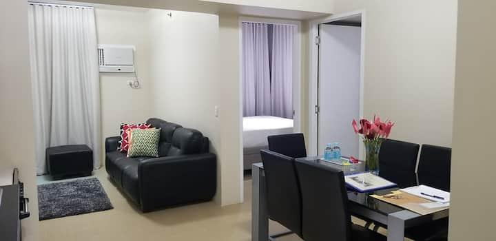 CLEAN & COMFY 2-Bedroom Condo @ AYALA CDO!