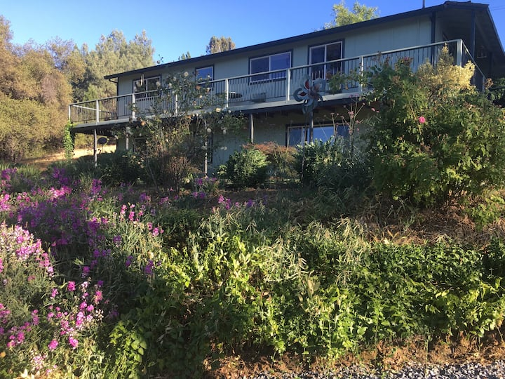 Small Ranch, Private View Apartment, Wine Country