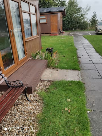 Spacious Dog friendly Chalet close to large beach