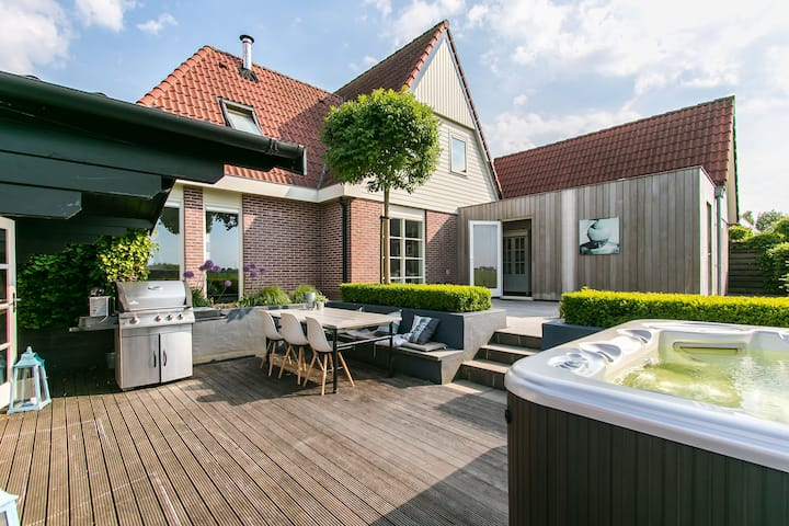 Comfort & relaxation, private detached near Sneek
