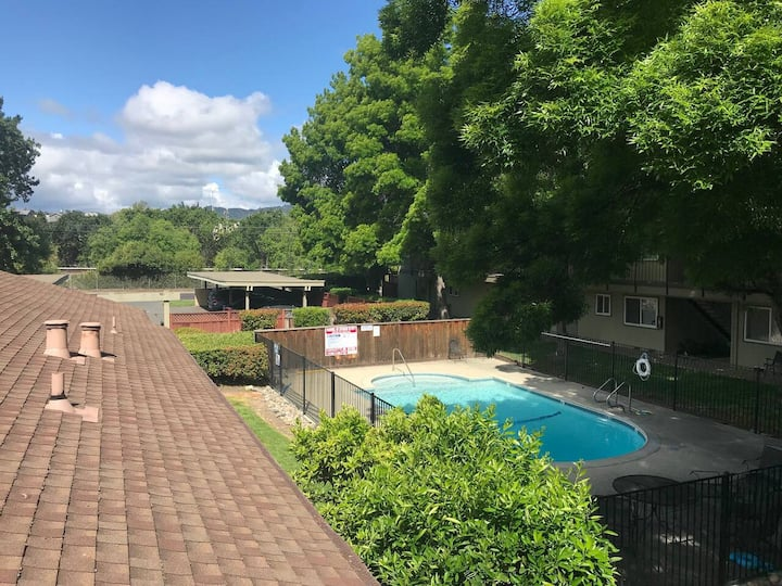 Cozy, calm place*Best Location*Pool*Washer-dryer