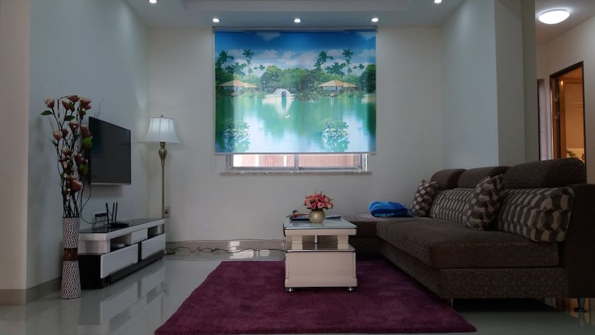 Erin home with comfortable sofa-bed available - Luzhou Shi
