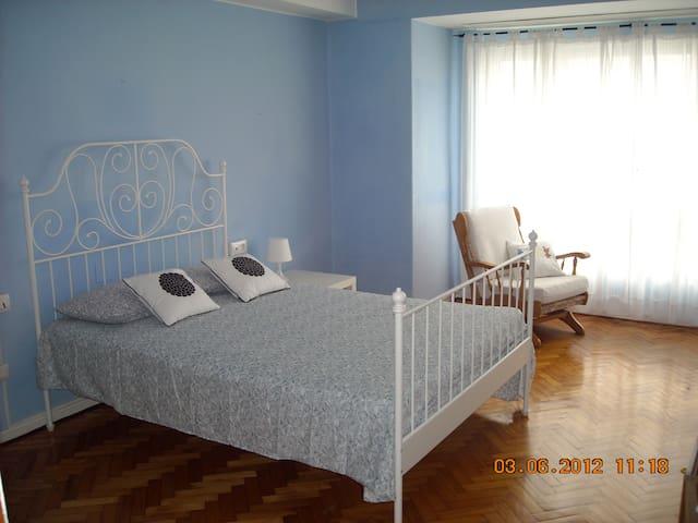 Enorme piso exterior zona tranquila - Pontevedra - Pis