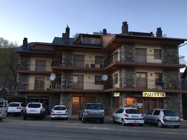 Apartamento ideal familias - Llívia - Apto. en complejo residencial