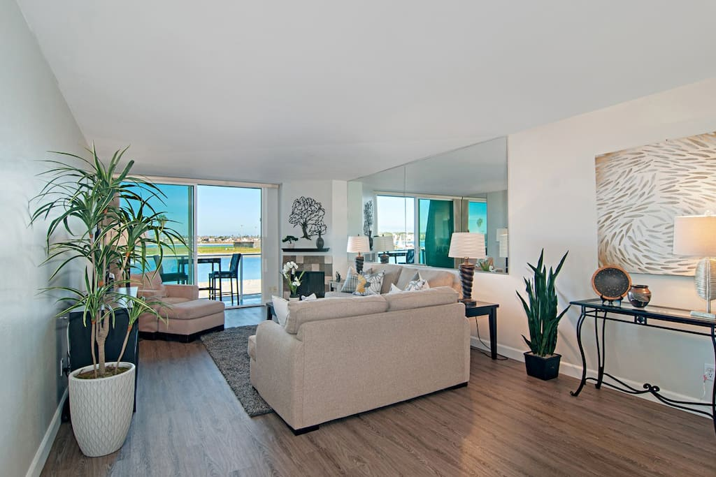 Main Living Room With Balcony, View of Bay/City