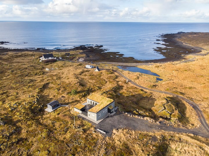 Cabin by the Sea - 15min from Reykjavík