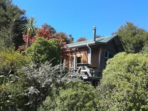 Kanuka Eco - Friendly Cottage