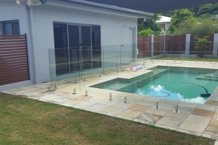 Airlie Beach Pool House Retreat - Cannon Valley - Apartamento