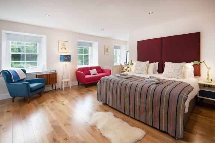 Triple room on stunning  historic Scottish estate
