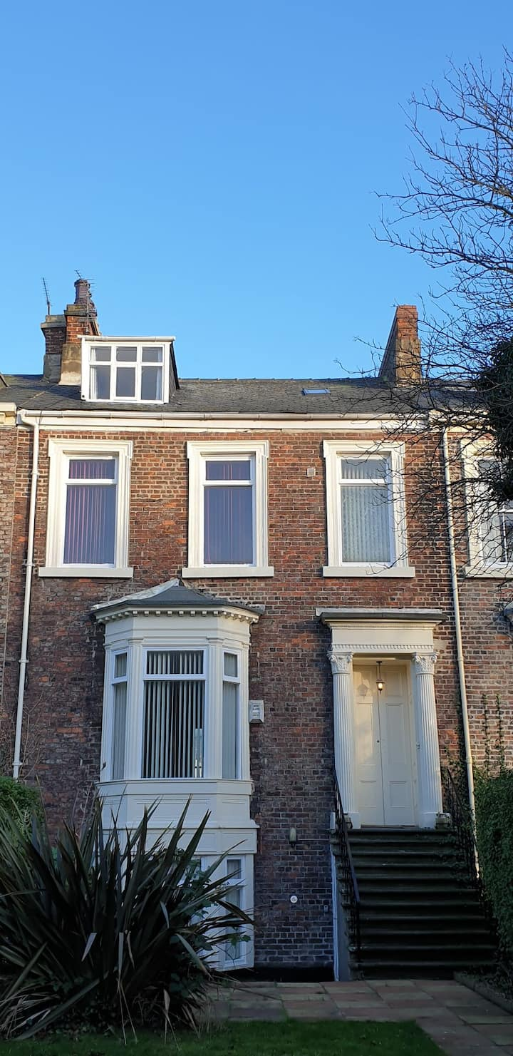 Large Victorian House for families or contractors