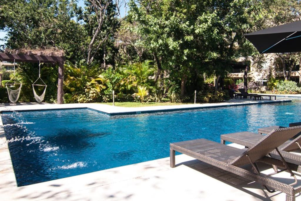 Nice pool at the common area, surrounded by nature...