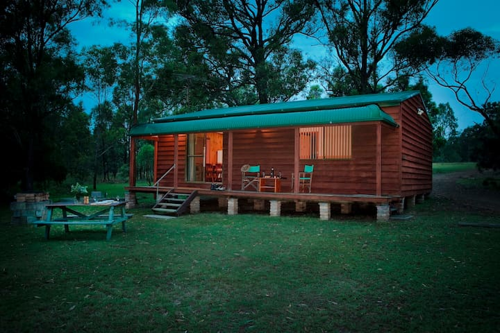 Hunter Hideaway Cottages Merlot 2N