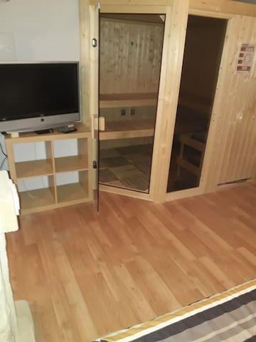 TV + Sauna