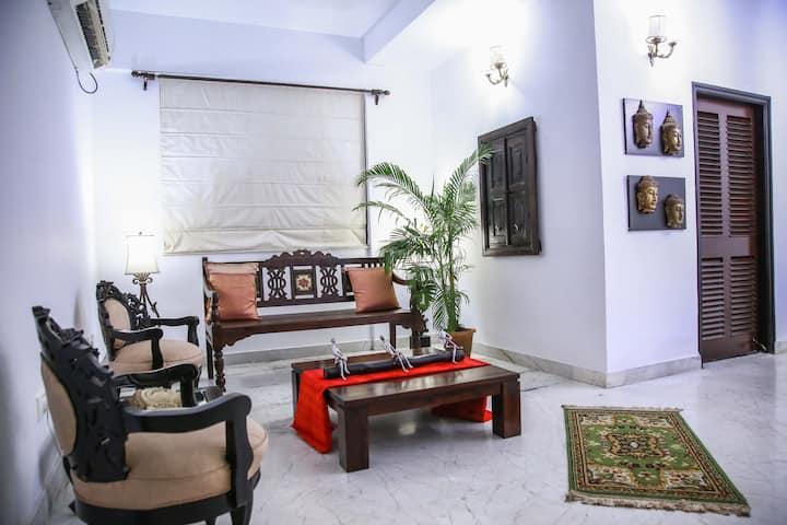Beautiful, cozy & spacious South Kolkata apartment