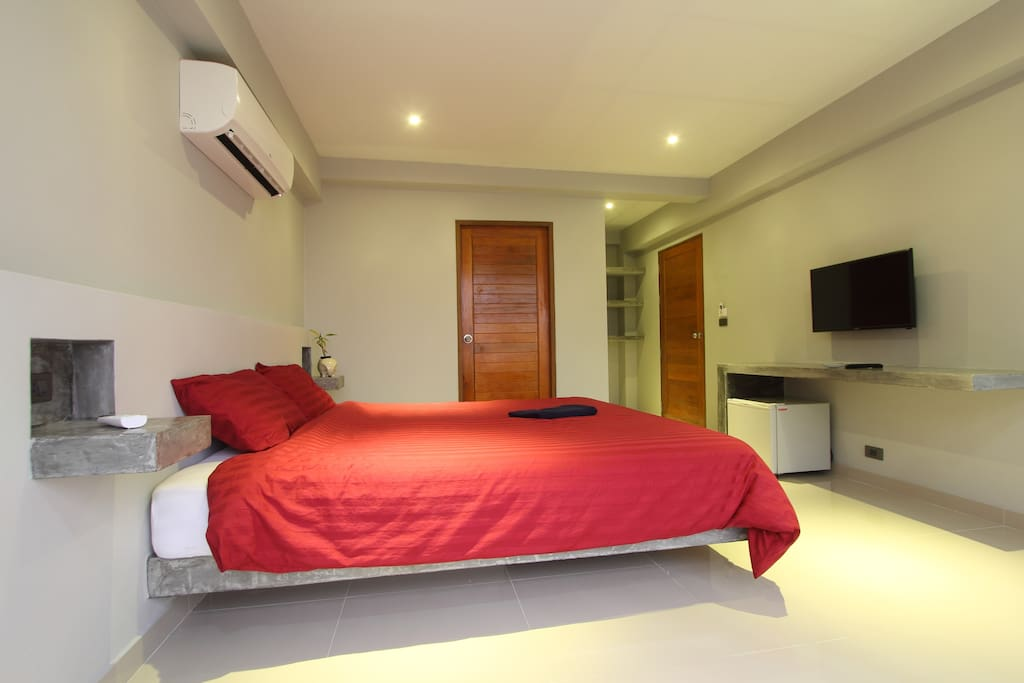 studio 25m lit king size piscine wifi 200mb b4 condominiums for rent in chaweng koh samui. Black Bedroom Furniture Sets. Home Design Ideas