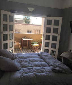 2 bedroom beachside apartment - Coogee