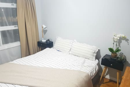 Convenient & Bright room in Carlingford central - Carlingford