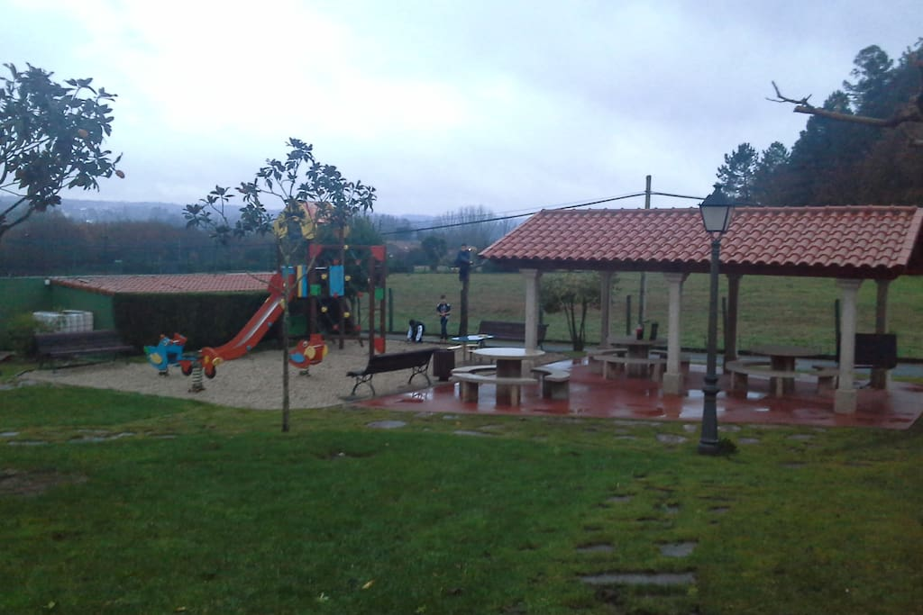 Apartamento en campo con piscina condominiums for rent in bertamir ns galicia spain - Apartamentos con piscina en galicia ...